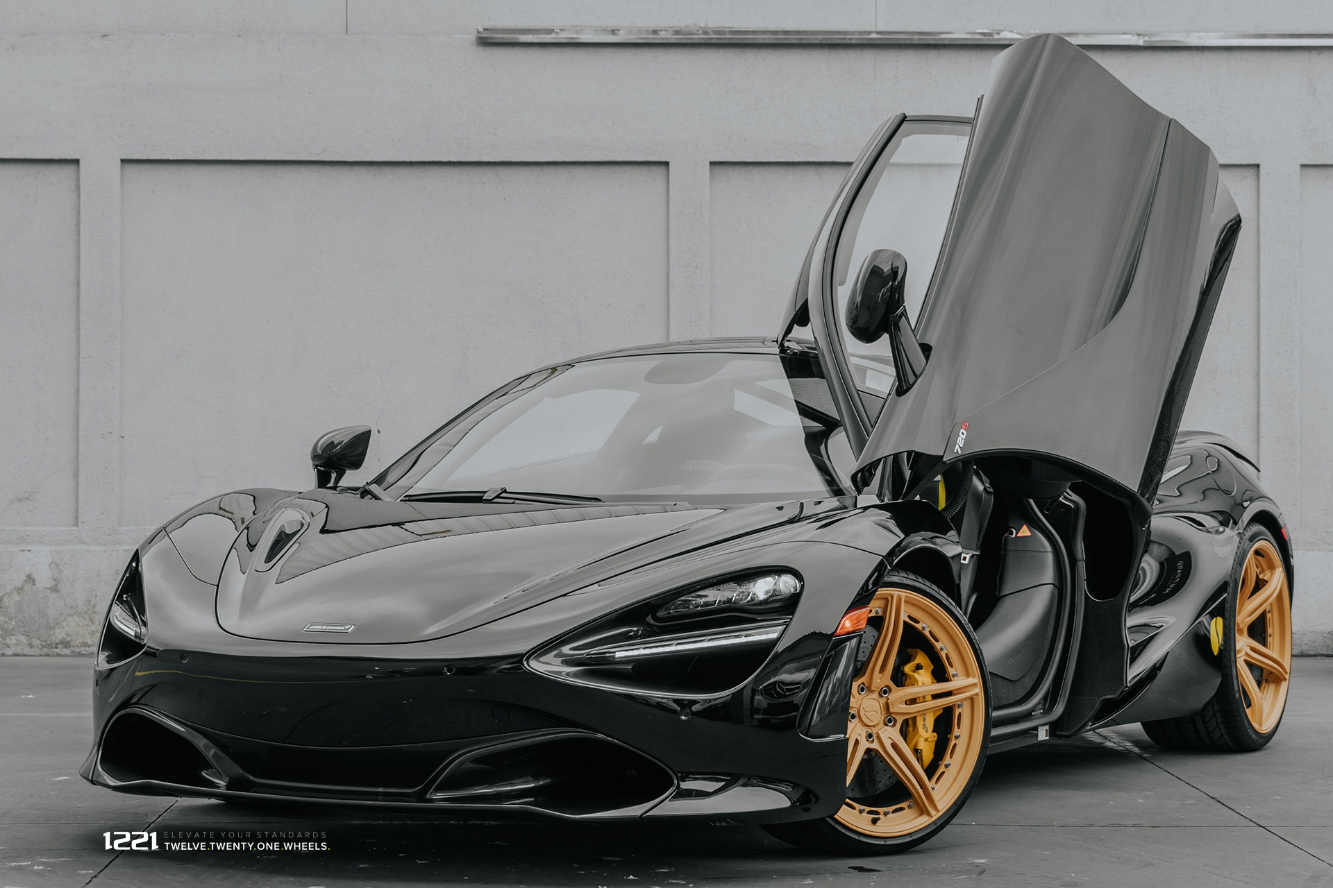 McLaren 720S Coupe Supercar