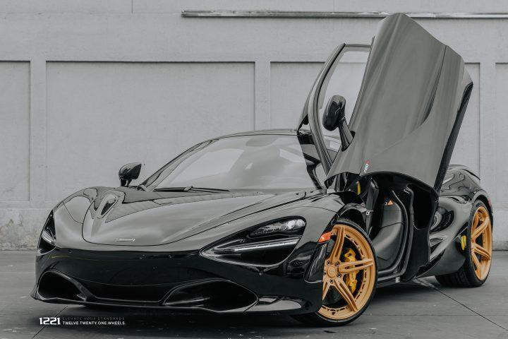 McLaren 720S Coupe Supercar