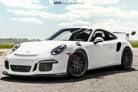 Porsche 911 GT3RS Custom Wheels