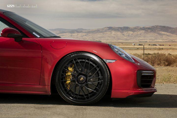 Porsche 911 Turbo S Carrera forged concave wheels